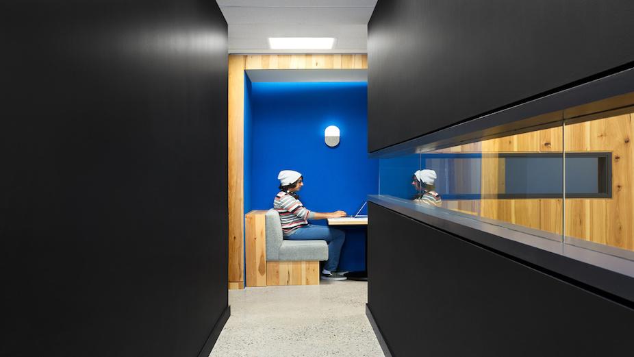 Andlight workplace lighting